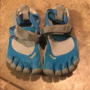 Vibrams Trecksports women's fivetoe shoe